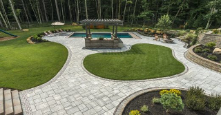 Using Pavers to Create a Striking Transition from Softscaping to Hardscaping