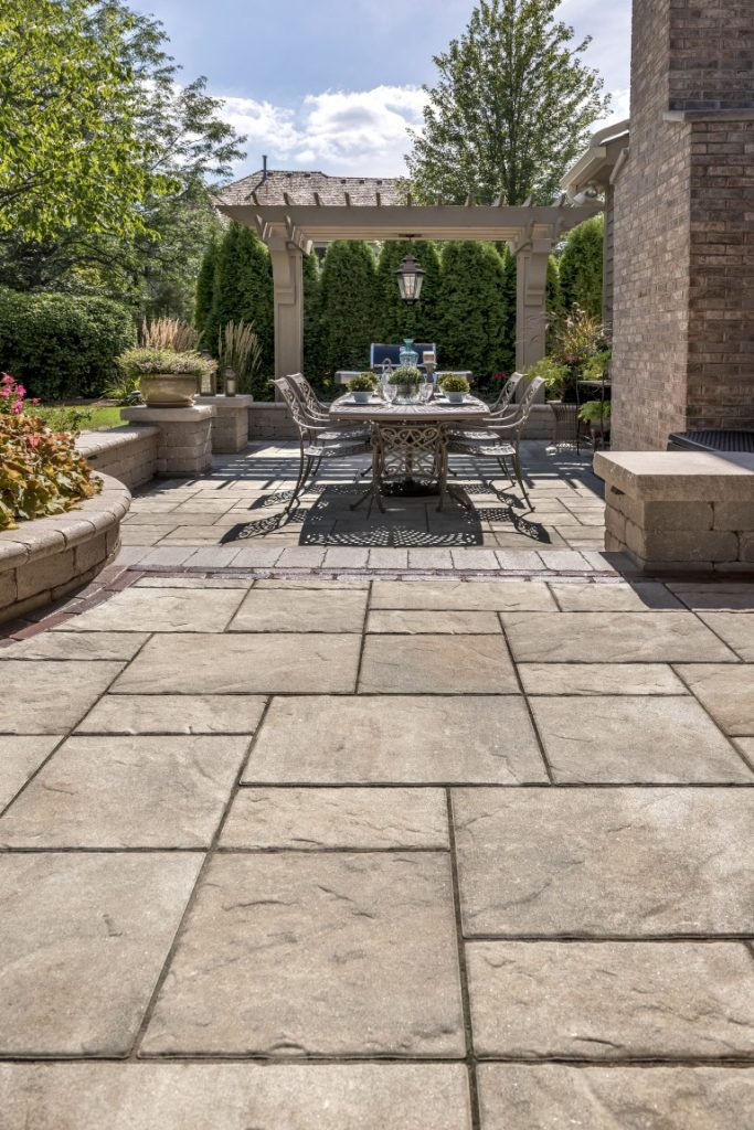 Five Landscape Design Ideas for Making the Most of Your Ottawa, Ontario Side Yard