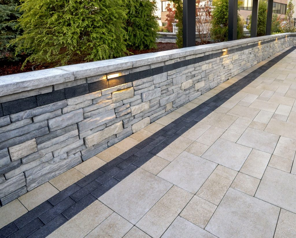 Concrete Wall Units or Natural Stone for Your Hamilton, Ontario, Retaining Wall?