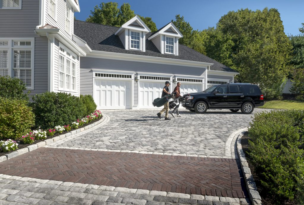 4 Ways A Contractor Can Personalize Your Driveway In London, ON