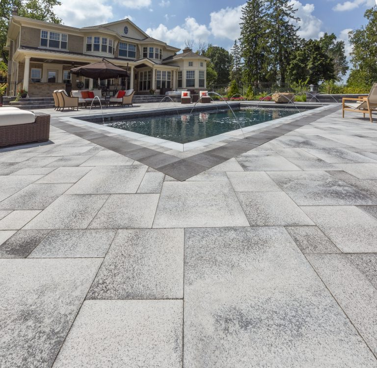 Best Stone Pavers and Concrete Alternatives for Your Medford Lakes, CT, Backyard Patio