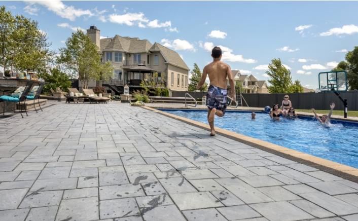 3 Reasons to Use Bluestone Alternatives for Your Pearl River, NY Pool Deck