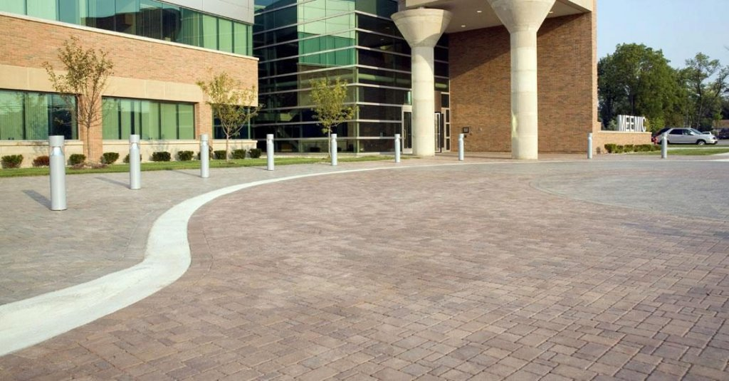 Product: Olde Greenwich Cobble® Color: River Blend