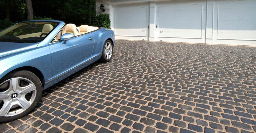 Product: Courtstone® Color: Basalt/Belgian Blue
