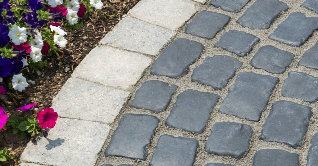 Product: Courtstone® Color: Basalt